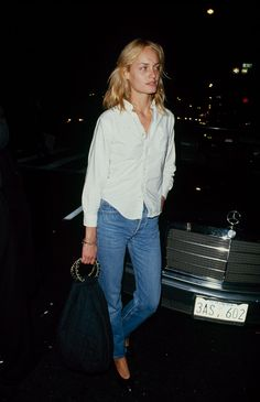 Amber Valletta. Simple white shirt and vintage levi's. Can it get any better?
