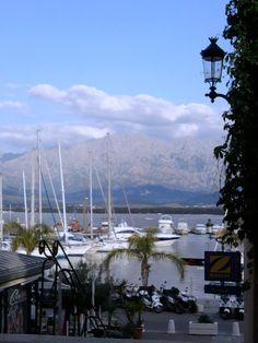 Alles hier ist ursprünglich, ein wenig wild und facettenreich. Ich liebe den nordwestlichen Landstrich Korsikas - die Balagne und habe sie bereits zwei Mal besucht. Die Region ist besonders fruchtbar, hier findet man imposante Gebirgszüge – genauso wie sanfte Hügel und Olivenhaine.....mehr unter: http://welt-sehenerleben.de/Archive/481/die-balagne-zu-besuch-in-korsikas-garten/