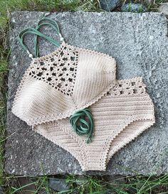 Pattern combo Coralia top and hipster bottom in my Etsy shop (link in bio) and capitanauncino.com☀️ . . . . . #summervibes #summer #crochetbeachwear #crochet #ganchillo #crochettop #crochetpattern #crochetlove #crochetaddict #maker #makersmovement #crocheteveryday #crochettutorial #crochetbikini #crochetswimsuit #crochetswimwear #hipster #hipsterbottom #boyshort #flower #flowerpower #flowertop #crochetbralette #bralette #bikini #etsy #etsyshop #etsyseller #etsystudio #beachwear