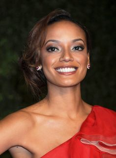 Selita Ebanks side-swept updo