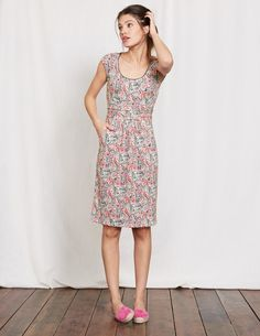 Last year you loved our Casual Weekend Dress, so we've brought it back and made it better than ever. In soft, comfortable cotton, the elegant scoop neck and roomy front pockets give it a contemporary look that works equally well in the office or at your go-to brunch spot. Its ruched waist gives it a super-flattering shape that hides any bumpy bits. No wonder it was a hit.