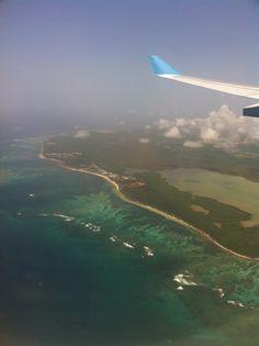Vue sur Punta cana depuis l'avion.