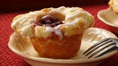 Cherry Danish Biscuit Cups- Frozen biscuit dough bakes into a flaky, tender crust for a creamy cherry filling. Just Desserts, Delicious Desserts, Dessert Recipes, Yummy Food, Quick Dessert, Healthy Food, What's For Breakfast, Breakfast Dishes, Breakfast Recipes