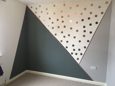 DIY geometrische Wandmuster CraftRiver DIY geometrische Wandmuster CraftRiver Dekoration The post DIY geometrische Wandmuster CraftRiver appeared first on Babyzimmer ideen. Baby Bedroom, Baby Boy Rooms, Girls Bedroom, Kid Bedrooms, Nursery Decor, Bedroom Decor, Bedroom Wall Designs, Kids Wall Decor, Nursery Room