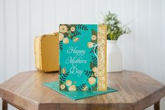 Happy Mother's Day with this awesome idea - a DIY card that's teal and yellow, and darling as can be
