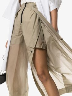 Shop Issey Miyake Air high-waisted wide leg trousers from our Pants collection. Issey Miyake, Fashion Pants, Fashion Outfits, Womens Fashion, Casual Outfits, Fashion Details, Fashion Design, Laura Lee, Wide Leg Trousers