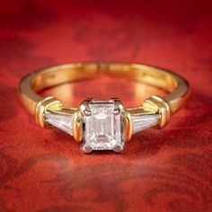 VINTAGE EMERALD CUT DIAMOND TRILOGY RING 18CT GOLD 0.91ct OF DIAMOND DATED 1996 cover