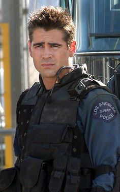 Colin Farrell in S.W.A.T. This movie is so cheesy, but I love it! Colin Farrell, Jeremy Renner, LL Cool J