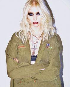 The Pretty Reckless Taylor Michel Momsen, Estilo Taylor Momsen, Taylor Momsen Style, Pretty Reckless, Urban Chic, Punk Fashion, Grunge Fashion, Girl Fashion, Diy Emo Clothes