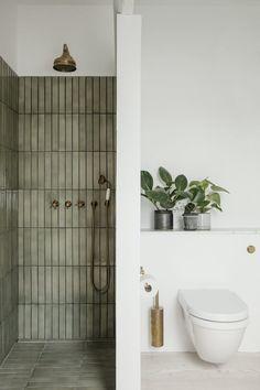 Bathroom Inspo, Bathroom Inspiration, Bathroom Ideas, Earthy Bathroom, Interior Inspiration, Bathroom Organization, Nature Bathroom, Bohemian Bathroom, Eclectic Bathroom