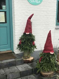 x Christmas tree topper set. Lightweight, easy to carry, can decorate indoor or outdoor Christmas trees. The hat and nose are worn on top of the Christmas tree, and the gloves are hung on the two sides of the Christmas tree. Christmas Garden, Noel Christmas, Rustic Christmas, Christmas Projects, Winter Christmas, Christmas Wreaths, Christmas Ornaments, Garden Ornaments, 242