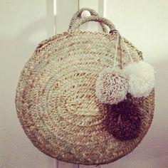 round #basket #wicker, #panier osier tout rond. http://www.lequitable.fr/boutique/fr/a-decouvrir/383-panier-osier-tout-rond.html