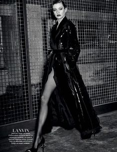 To model and VS Angel Stella Maxwell is an unadulterated femme fatale, styled in dramatic black, skin-revealing looks by Christiane Arp . Photographer Giampaolo Sgura captures 'Stella' for Vogue Germany August Makeup by Jessica Nedza; Fashion Poses, Fashion Advice, Look Fashion, High Fashion, Vogue Cover, Raincoat Outfit, Stella Maxwell, Raincoats For Women, Fashion Editorials
