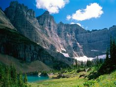 Oh, gorgeous Glacier National Park, Montana! And to think have stood in the exact same place the that this picture was taken.