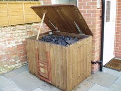 Harthside: The Coal Bunker is finished and operational! Diy Wood Projects, Projects To Try, Coal Bunker, Coal Stove, Studio Shed, Log Store, Wood Storage, Storage Ideas, Pool Landscaping