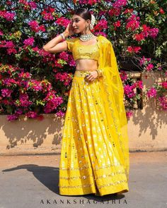 Mirror Work Lehengas You Would Definitely Want To Buy Once The Lockdown Is Over! - Mirror Work Lehengas You Would Definitely Want To Buy Once The Lockdown Is Over! Indian Wedding Outfits, Bridal Outfits, Indian Outfits, Bridal Dresses, Anita Dongre, Indian Lehenga, Pakistani, Indian Style, Indian Wear