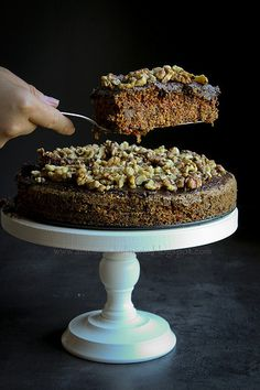 Beetroot cake with poppyseed