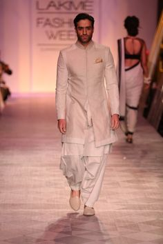 Summer/Resort 2014 Mens Indian Wear, Indian Groom Wear, Indian Men Fashion, Indian Bridal Wear, Sherwani For Boys, Mens Sherwani, Wedding Sherwani, Wedding Dress Men, Wedding Men