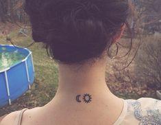 el sol y la luna tatuaje cuello