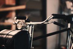Black Friday vs. black e-bike!  10% discount on Velorapida e-bikes... only for Social Friends and only till Monday December 1st.  Choose your Velorapida on www.velorapida.com and e-mail to ask@velorapida.com to get your discount.  Ready for the deal?  #velorapida #blackfriday #bicicletta #bicielettrica #ebike #e-bike #bike #bicycle #vintage #fashion #luxury #bicichic #cyclechic #madeinitaly #tuttiinbici #imdivanoletto #sfrenati #igersitalia