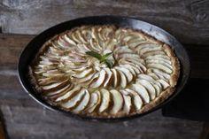 dinners with friends: Recipe : Frank's Alpine Apple Tarte