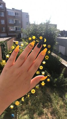 #yellownails