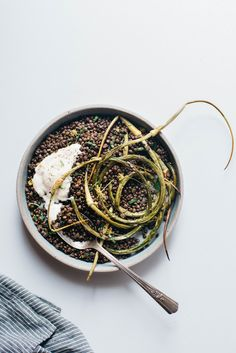 // herbed black beluga lentils w/ garlic scapes + yogurt sauce | dolly and oatmeal
