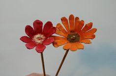 How to make flowers with an egg box / Comment fabriquer des fleurs avec une…