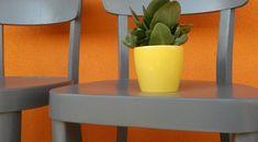 Ako lacno zrenovovať ošúchané stoličky | Gazduj.sk Planter Pots