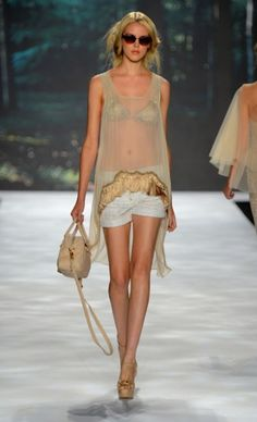 Mercedes-Benz Fashion Week : BADGLEY MISCHKA Spring 2013