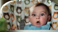 Em uma nova campanha para divulgar a linha de fraldas e lenços umedecidos, a Pampers fez um vídeo que mostra as reações dos bebês quando estão fazendo cocô.