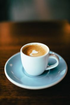 Food Travels: How to Order Coffee in Paris France. How to order coffee in Paris French cafe. Types of coffee in Paris. Frappuccino, Frappe, Coffee Type, Great Coffee, Coffee Shop, Coffee Art, Coffee Lovers, Coffee Company, Cup Of Coffee