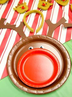 reindeer party plates