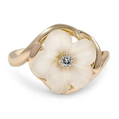 The Daisi Ring, top view