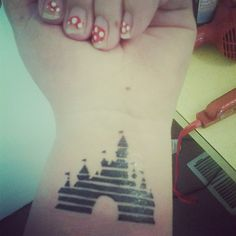 disney tattoo i want this BADLY but the tinker dust over the top and i want it to be blue possibly.