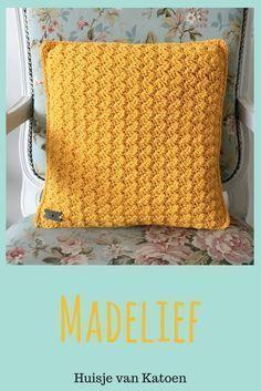Crochet tunisian pillow cushion covers Ideas for 2019 Crochet Cushions, Crochet Pillow, Baby Blanket Crochet, Crochet Stitches, Crochet Baby, Crochet Home, Love Crochet, Learn To Crochet, Diy Crochet