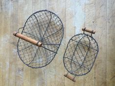 Oval (Big and small) wire chicken baskets
