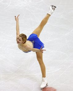 Gracie Gold competes in the Ladies Free Skate during the 2013 Prudential U. Figure Skating Championships at CenturyLink Center on January 2013 in Omaha, Nebraska. Gracie Gold, Figure Skating Moves, Rostelecom Cup, Ice Skating, Water Sports, Gymnastics, Skate, Athlete, Ballet Skirt