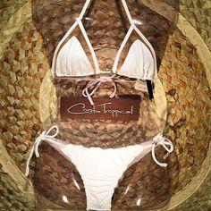 Biquini tule branco com calcinha empina bumbum! 💕 👙 Vendas pelo whats 71-98819-6365 ou comercial@costatroppical.com 💳Pagamento via Pag Seguro cartão de crédito ou depósito em conta. 🌎 Enviamos para todo o Brasil e exterior. Atacado e varejo. Nossos tamanhos vestem: -P  sutia 40, calcinha 36/38 -M sutia 42, calcinha 38/40 -G sutia 44, calcinha 40/42  #CostaTroppical #brazilianbeachwear #swimwear #bikini #beach #sun #summer #abikiniday #beachlife #bronze #biquini #praia #verao #sol…