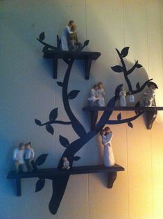Shelves that look like tree branches are a perfect way to display Willow Tree Figurines Diy Christmas Tree, Christmas Tree Decorations, Willow Tree Familie, Willow Tree Engel, Willow Tree Figuren, Willow Figurines, Oak Tree Tattoo, Tree People, Tree Decals
