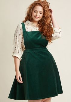 Cupcake Consultant Velvet Jumper in Emerald in XXS - A-line Skirt by ModCloth - Plus Sizes Available Hipster Grunge, Style Grunge, Soft Grunge, Curvy Fashion, Modest Fashion, Plus Size Fashion, Fat Girl Fashion, Tokyo Street Fashion, 1940s Fashion Dresses