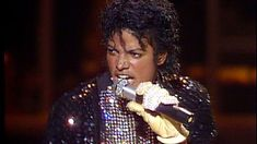 The night that made music history  and Crowned a King ♥ I miss you, Mike ♥