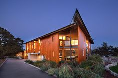 Modern Home in Victoria, British Columbia, Canada