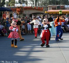 Wordless Wednesday – Character Movie Stars - Mickey & Minnie taking a 40th Birthday Stroll!