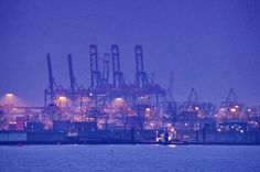 https://flic.kr/p/twLnRU | Hambourg 353 les docks vers Werfthafen