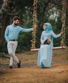 Shared by ⚘. Find images and videos on We Heart It - the app to get lost in what you love. Cute Muslim Couples, Romantic Couples, Wedding Couples, Cute Couples, Couples Images, Romantic Weddings, Muslim Wedding Dresses, Muslim Brides, Pre Wedding Poses