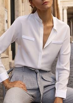 Fashion Tips Quotes Love this simple white silk blouse with trendy gray pleated pants.Fashion Tips Quotes Love this simple white silk blouse with trendy gray pleated pants. Fashion Pants, Fashion Outfits, Womens Fashion, Fashion Tips, Virtual Fashion, Next Clothes, Edgy Style, Estilo Retro, Work Attire