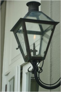 Gas lamps, French Quarters, New Orleans, LA, Omni Royal