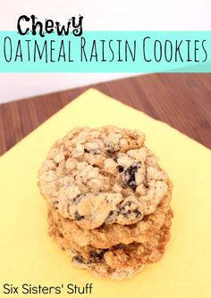 Chewy Oatmeal Raisin Cookies- I have been looking for the best recipe for these cookies and this one is awesome! Brownie Cookies, Cookie Desserts, Dessert Recipes, Cookie Recipes, Cupcake Cookies, Yummy Cookies, Chip Cookies, Crisco Cookies, Ranger Cookies