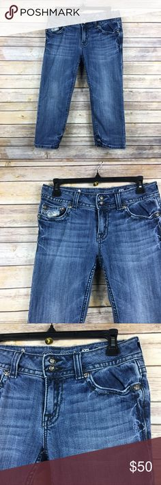 Miss Me Blue Denim Cropped Capri Sequins Jeans 30 Miss Me Cropped  Capri Sequins  Blue Denim Cropped Jeans Size 30 Inseam 20 in Thanks for visiting! Miss Me Jeans Ankle & Cropped
